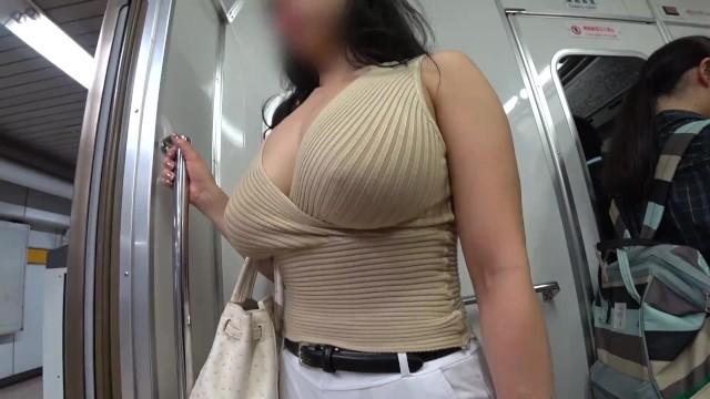 【爆乳】ブルンブルンニットおっぱい女を追跡盗撮!デカ尻も良い【超乳】