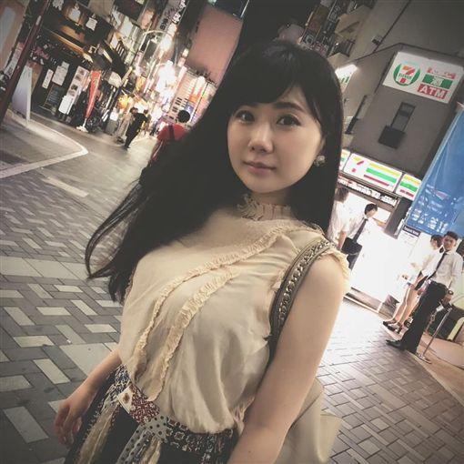 【悲報】福原愛さんのドスケベおっぱい画像が流出