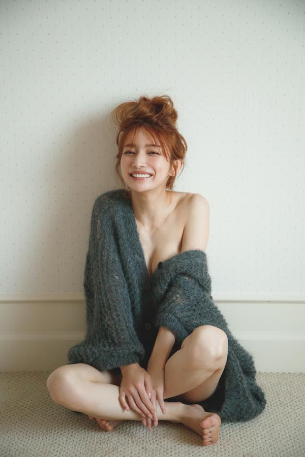 【悲報】後藤真希(36)の写真集、エロすぎて炎上